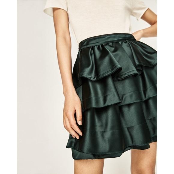 a7c50024621 NWT Zara Green Satin Tiered Ruffled Mini Skirt NWT